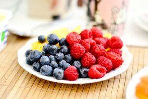 צלחת תותי בר